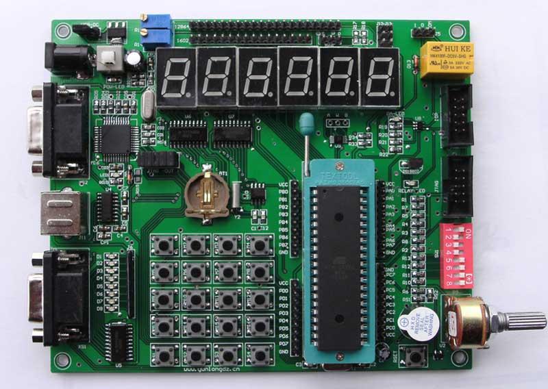 第一讲:开发板和软件的操作使用 1、介绍配件。 2、安装软件(ICC AVR 和AVR STUDIO)及其使用,括新建工程、程序下载,仿真调试;整板测试;板上资源。 3、着重介绍一下USB接口的仿真器。 第二讲:AVR单片机的概述和C语言的基础知识 1、AVR单片机的概述包括它的优点、片上资源。 2、C语言的基础包括电平特性、2进制与16进制的表示及转换、二进制数的逻辑运算,数据类型,运算符。 3、着重讲一下特有的BIT()操作,C中的各种语句。 4、介绍一下AVR单片机IO口的配置。 第三讲:点亮发光二